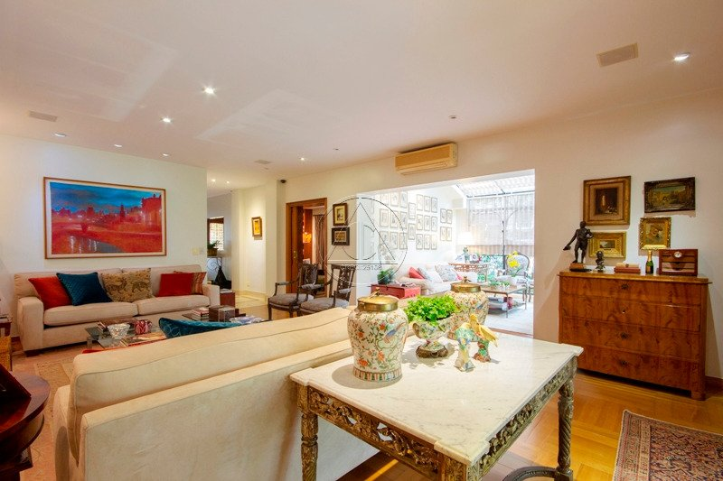 Casa à venda na Joaquim Candido de Azevedo MarquesReal Parque - 3019_imhT220_30195ddedda489361.jpg