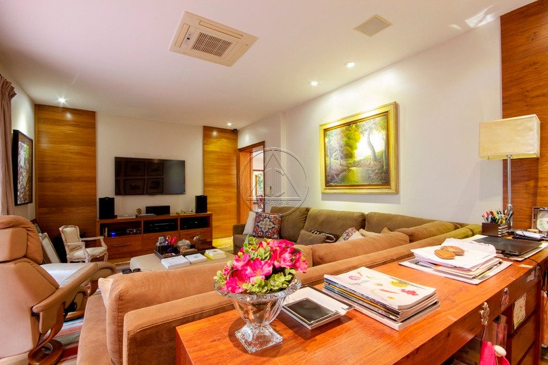 Casa à venda na Joaquim Candido de Azevedo MarquesReal Parque - 3019_imhT220_30195ddedda8ef769.jpg